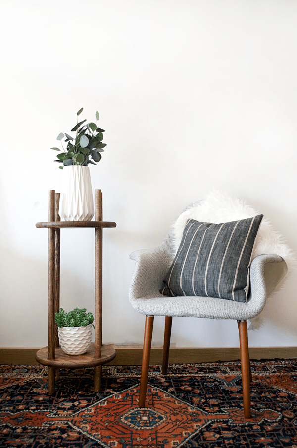 Create This Simple And Modern Diy Dowel Rod Plant Stand With Just A Few Materials To Give Your Plant Babies A Pretty New Home