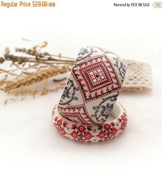 bracelets with ukrainian motifs