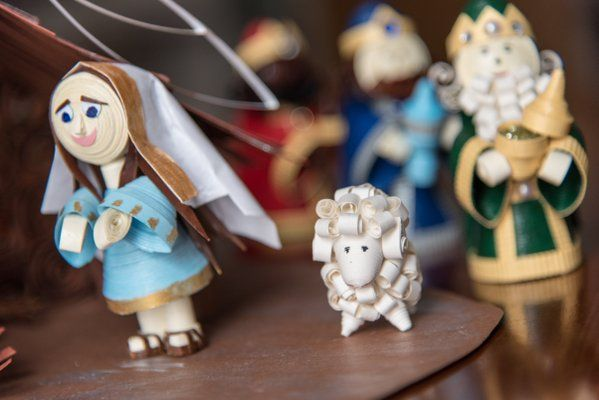 Particolare del presepe con la Madonnina e la pecorella di Chillotti Cristina
