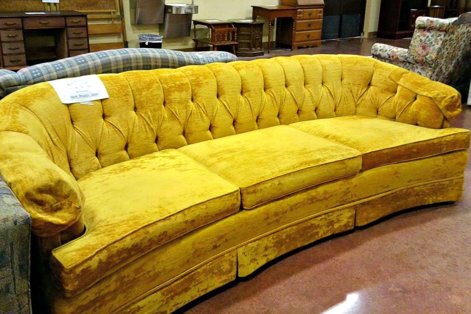 Golden Velvet Sofa Oufit Of The Day S Yellow Couch Velvet Tufted Sofa Yellow Sofa