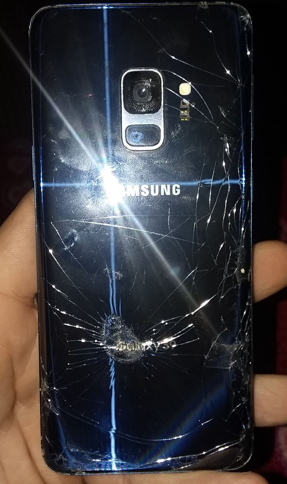 Wont turn on. Could be fixed. Galaxy phone
