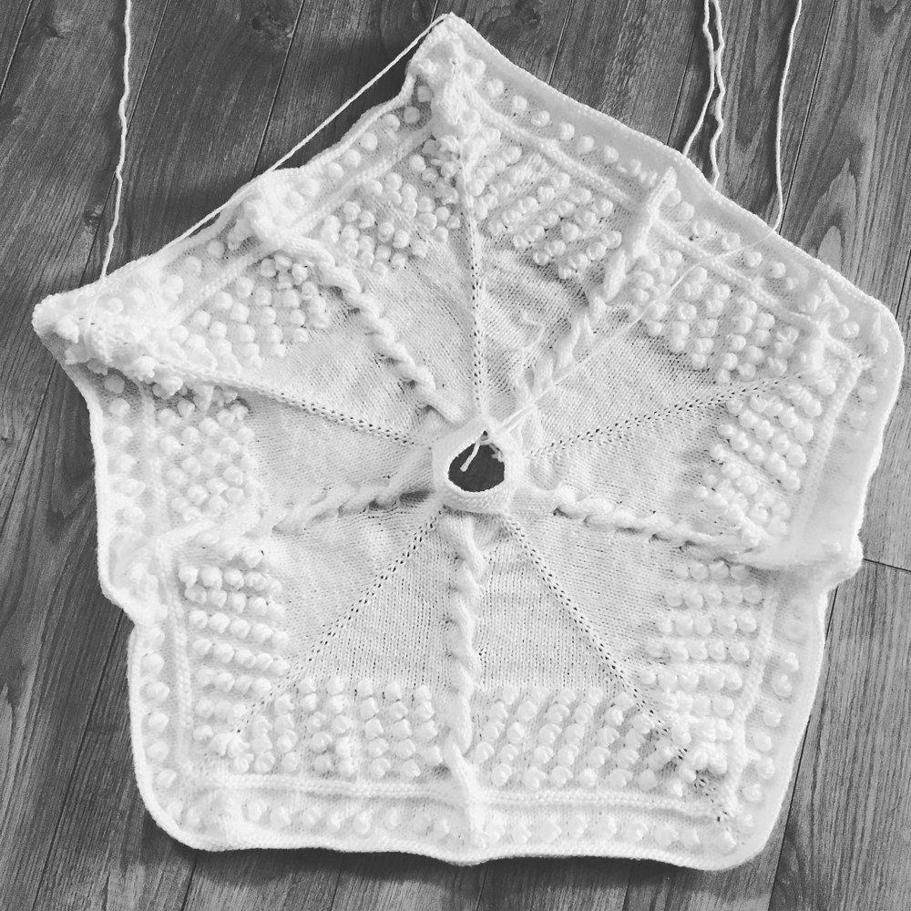 Star of the Tree Christmas Tree Skirt | Skirt knitting pattern ...