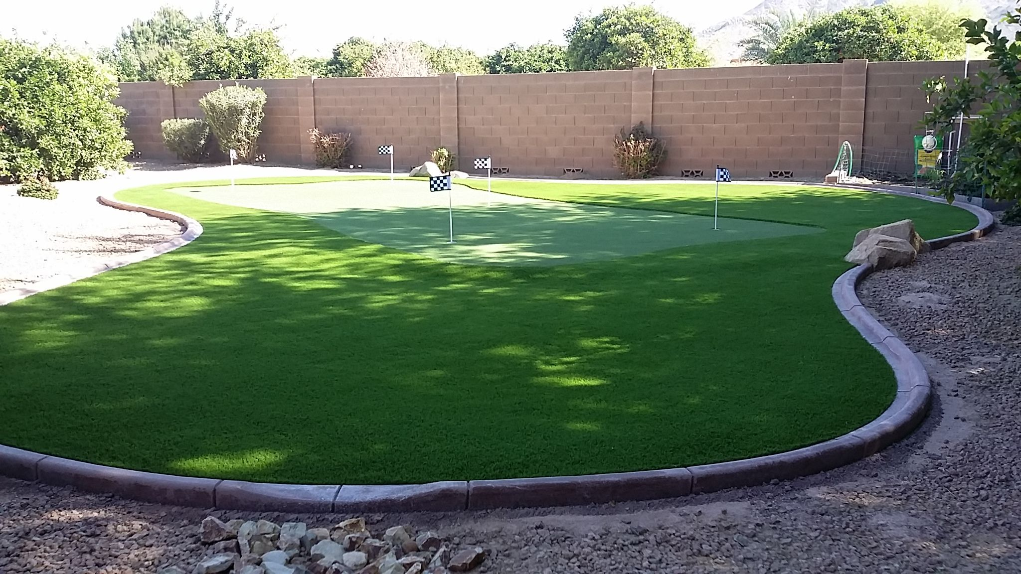 #Puttingreen #Artificialgrass #Landscape #Landscapingideas #Outdoordesign #Outdoors #Curbing