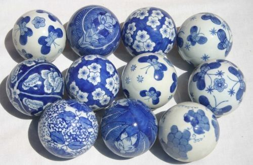 375 Lot Of 11 Porcelain Blue White Carpet Balls Lot 375 Carpet Bowls Porcelain Blue White Pottery