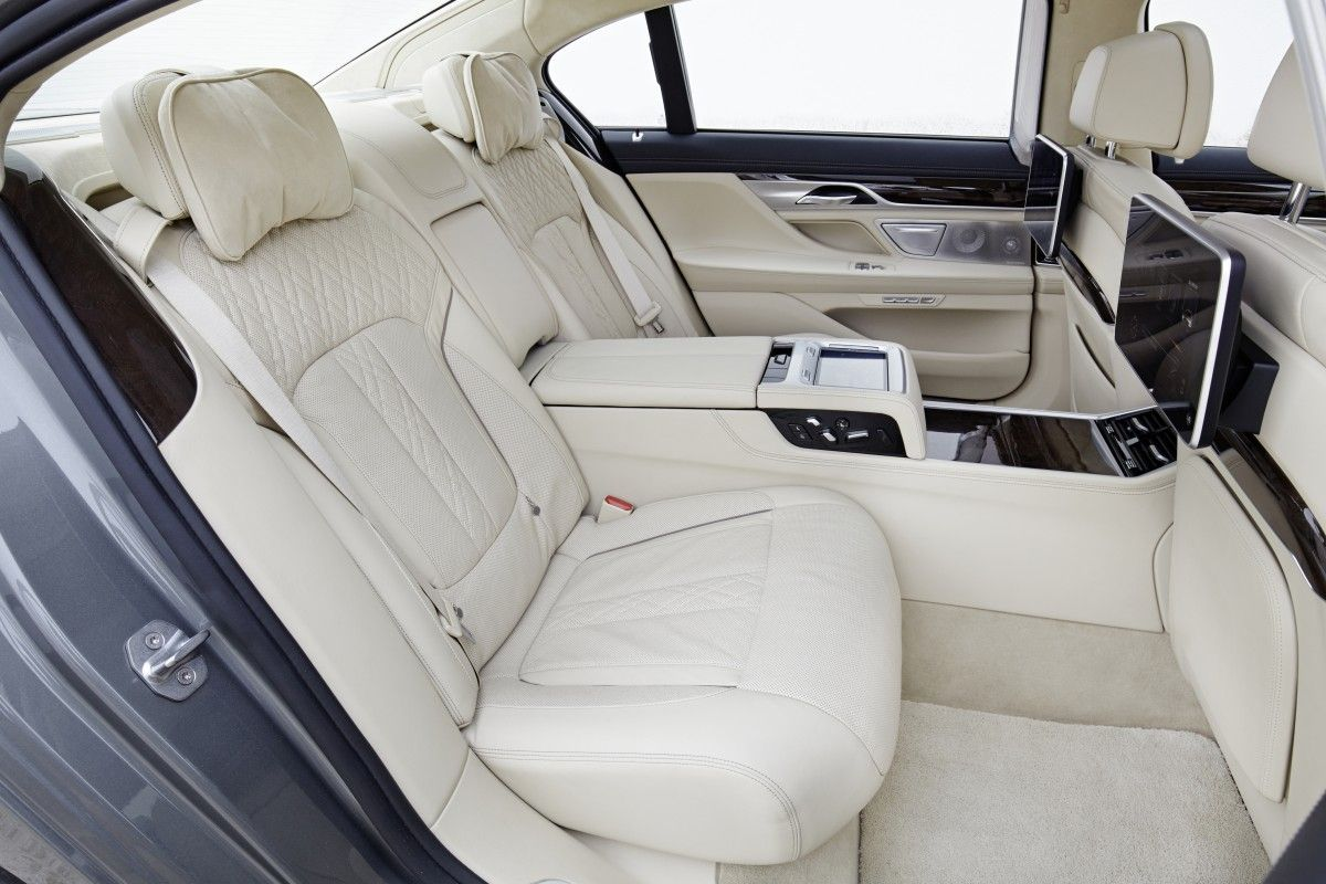 Battle Of The Lounge Seats W222 Mercedes Benz S Class And G11 Bmw