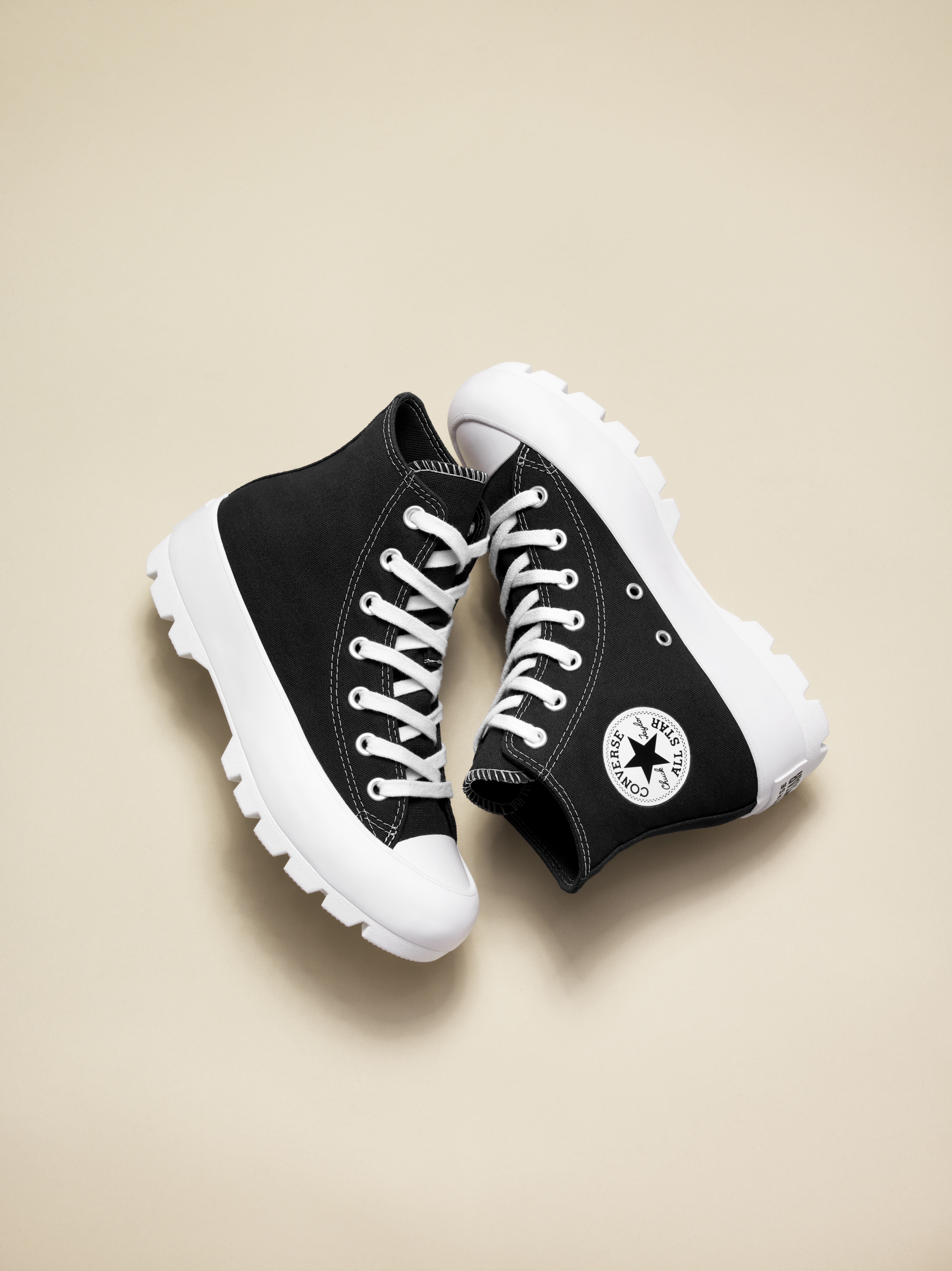Pin De Celinfahira Em Sepatu Em 2020 Sapatos All Star