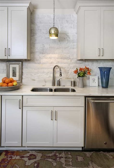 30+ Kitchen Sink Lighting Ideas (Pictures & Inspirations