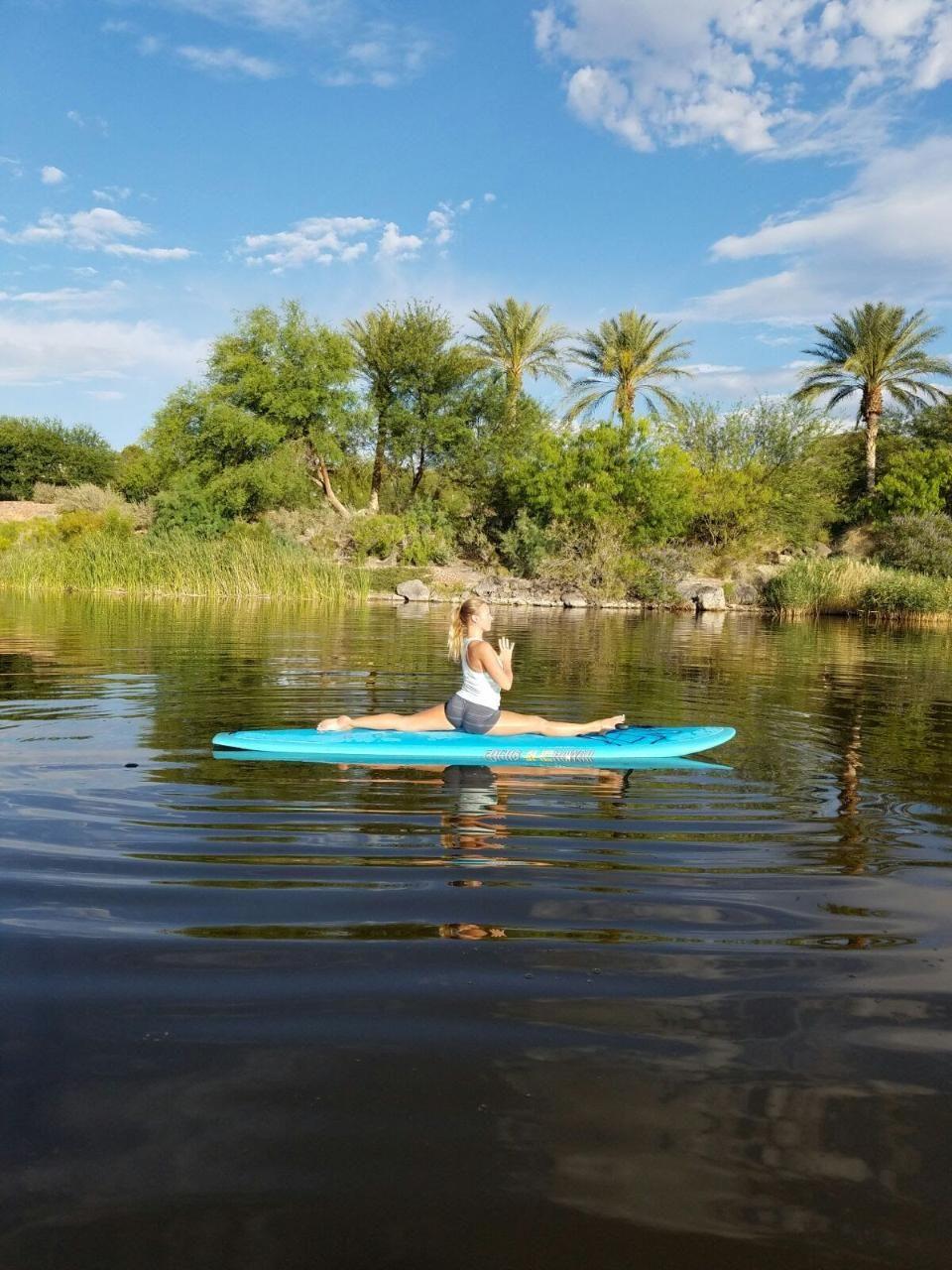 1 Hour Paddleboard Yoga Class Lake Las Vegas Water