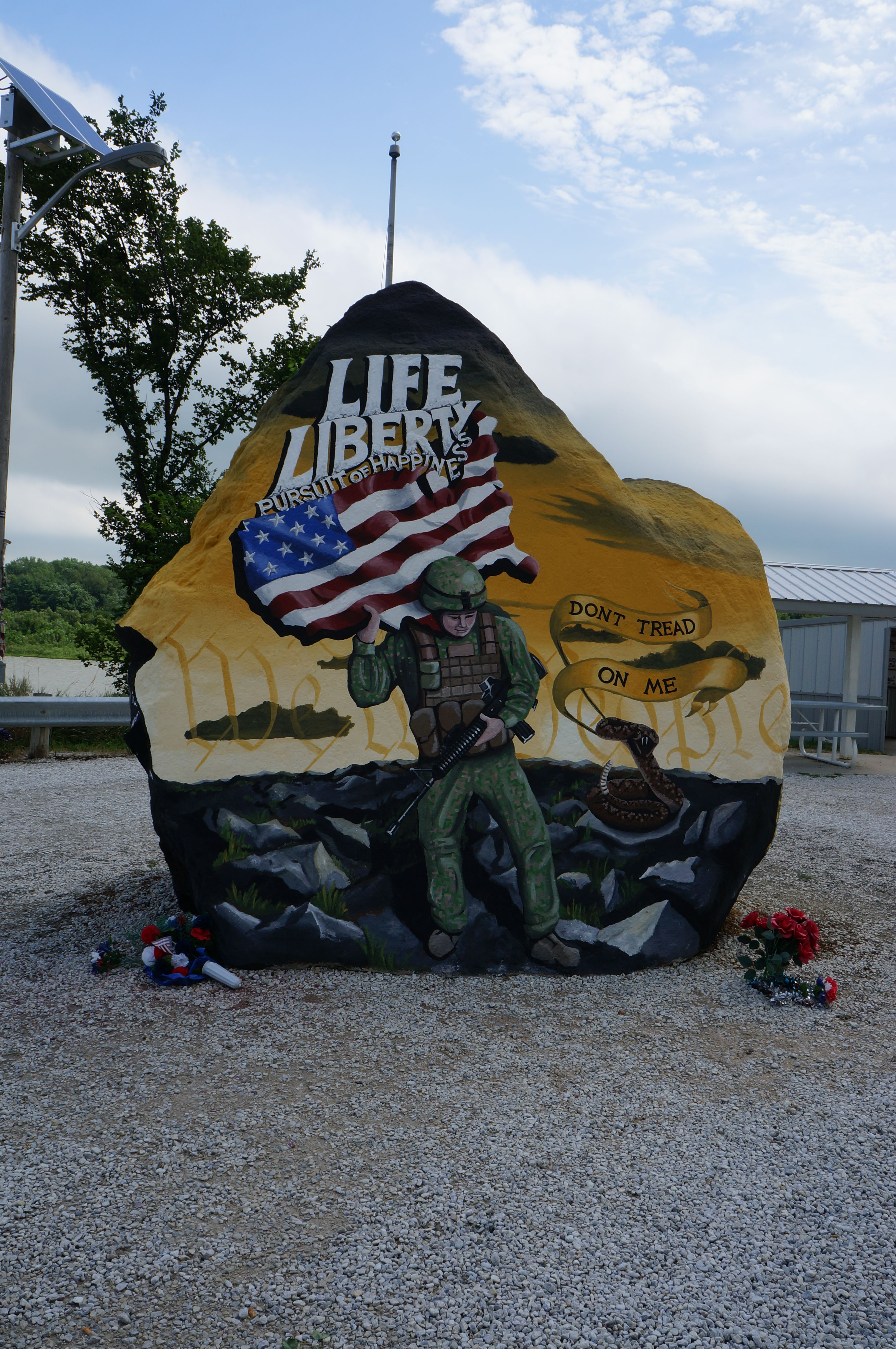 Freedom Rock Greenfield Iowa Repainted Every Year On Memorial Day With New Murals Iowa Mural Memorial Day