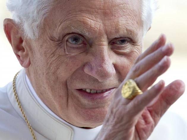 Papst Benedikt XVI. tritt zurück...