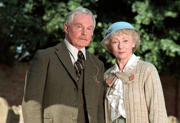 Agatha christie 39 s miss marple the murder at the vicarage starring geraldine mcewan as marple Midsomer murders garden of death