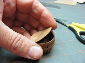 Dollhouse Miniature Furniture - Tutorials | 1 inch minis: October 2010 #dollhouseminiaturetutorials