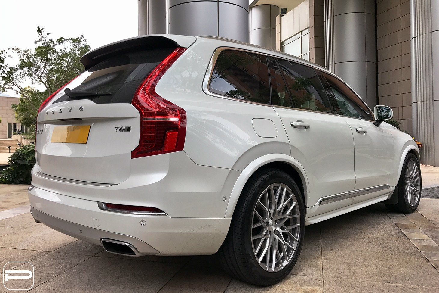 White Volvo Xc90 With Aftermarket Rear Diffuser Photo By Pur Wheels Volvo Xc90 Volvo Volvo Xc60