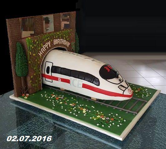 Pin Von Fereschte Fakhouri Auf Ice Zug Torte 3rd Birthday Cakes