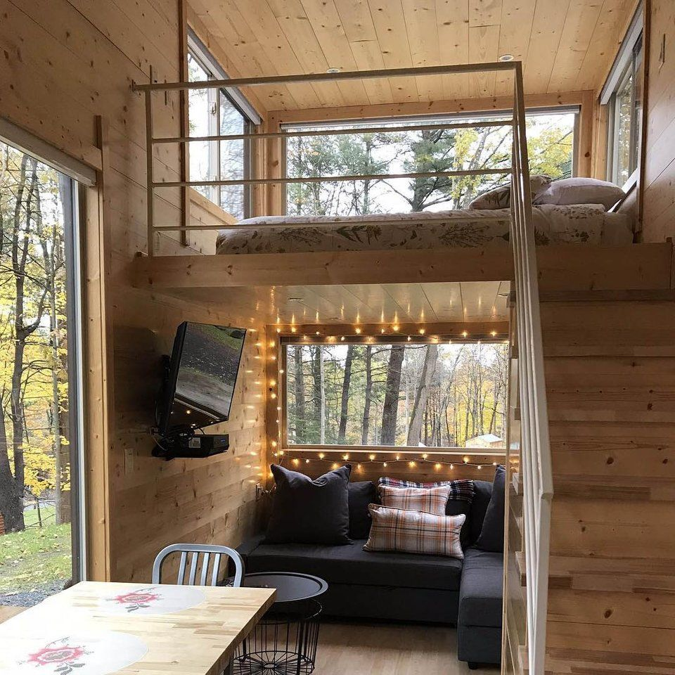 Simple Modern Ideas For Small Living Rooms To Fool The Eyes: Cozy Setup In The Catskills : CozyPlaces