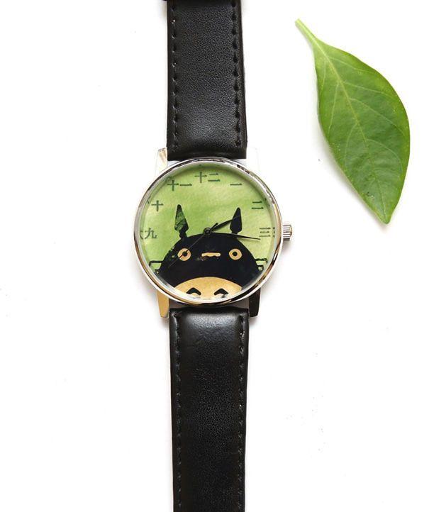 651863668e97 25 idées cadeaux pour les amoureux de Studio Ghibli. Cette montre. Cette  montre. Trop Chou, Idées Cadeaux, Montre, Colliers, Bijou, Chambre