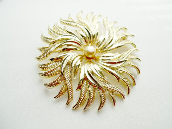 Vintage Signed Cathe Gold Tone Flower Pin Brooch by LeesStuff, $18.00