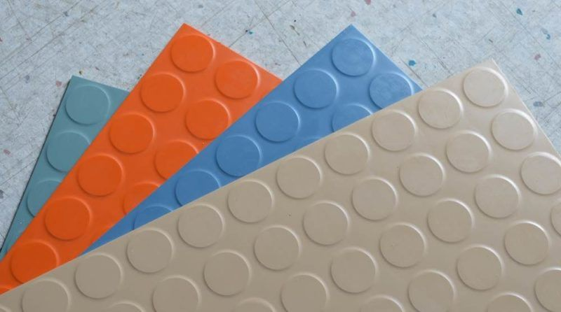 Rubber Glazen Douchedeur.Residential Rubber Flooring Rubber Tiles Rolls And Mats In