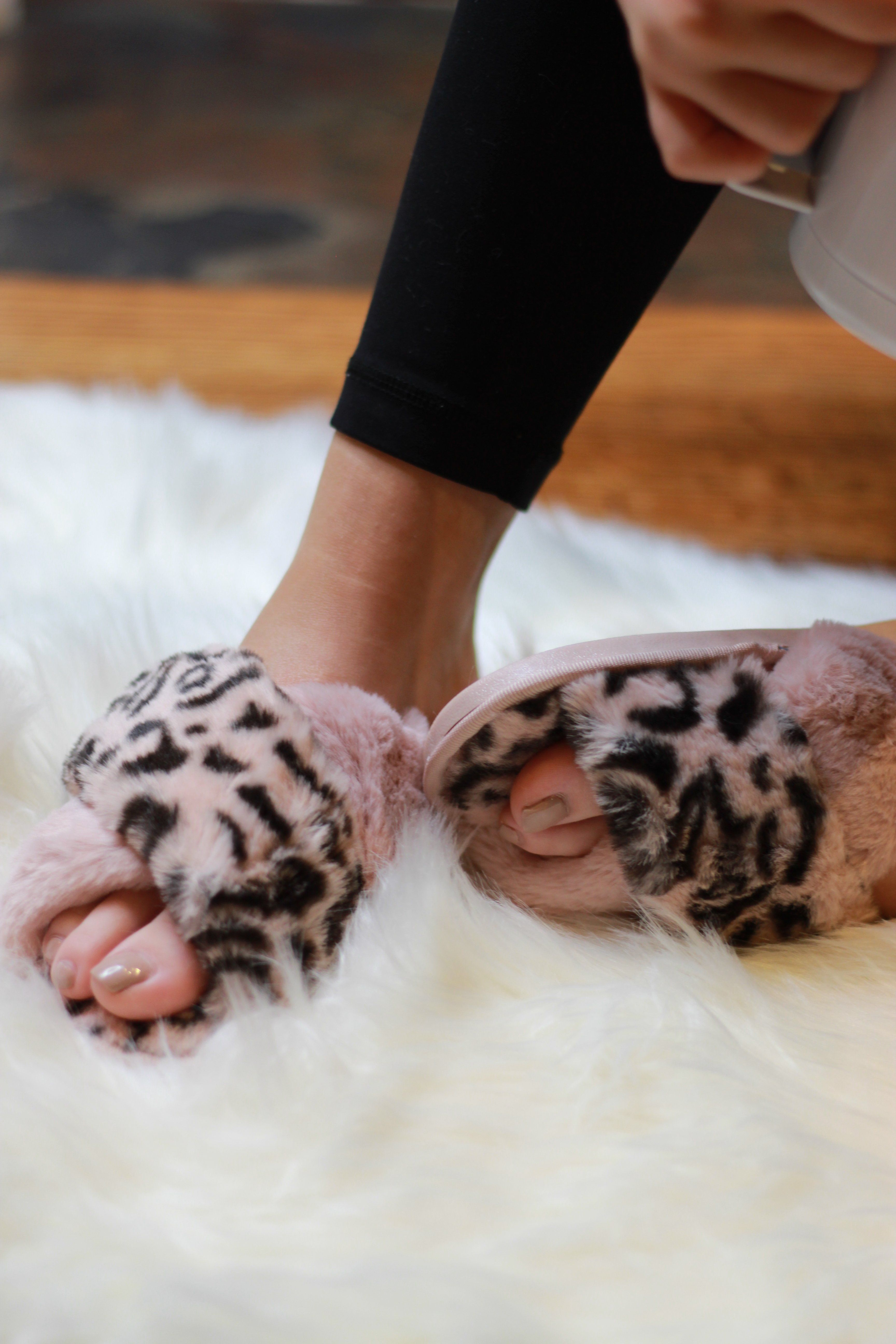 Ultra Fuzzy Animal Print House Shoes – Small / Pink Leopard