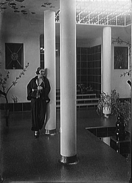 1920s - Spinelly at home  Photo by François Antoine Vizzavona  Réunion des Musées Nationaux Grand Palais