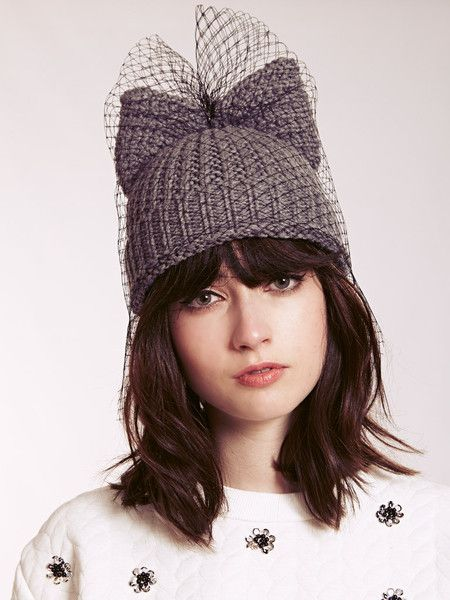 Grey Beanie with Ears and netting Dahlia