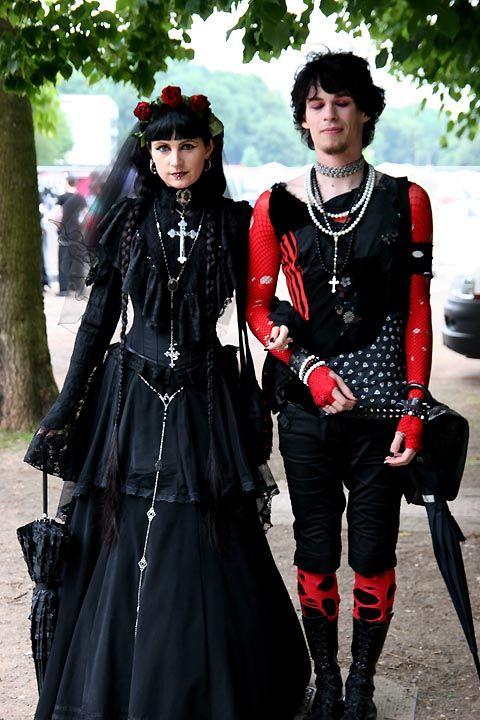 dating goth guys)