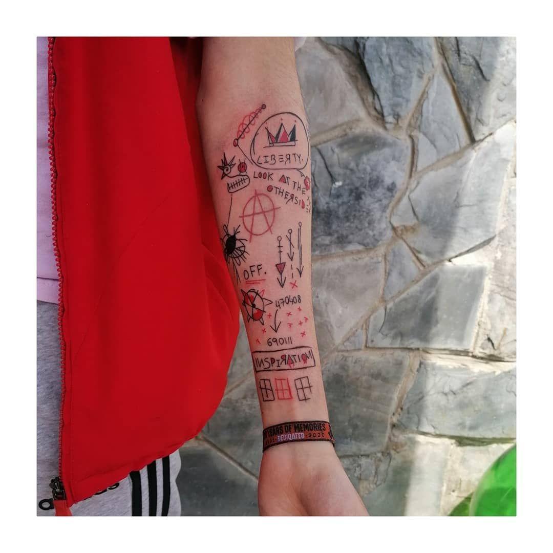 @___albe____ #minimal #minimaltattoo #tattoolife #tatuagens #minimaltattoos #tattoos #tattooartist #practicemakesperfect #tattooartwork #tattooworkers #tattoodesign #tatuaggio #redink #blackink #ink #inked