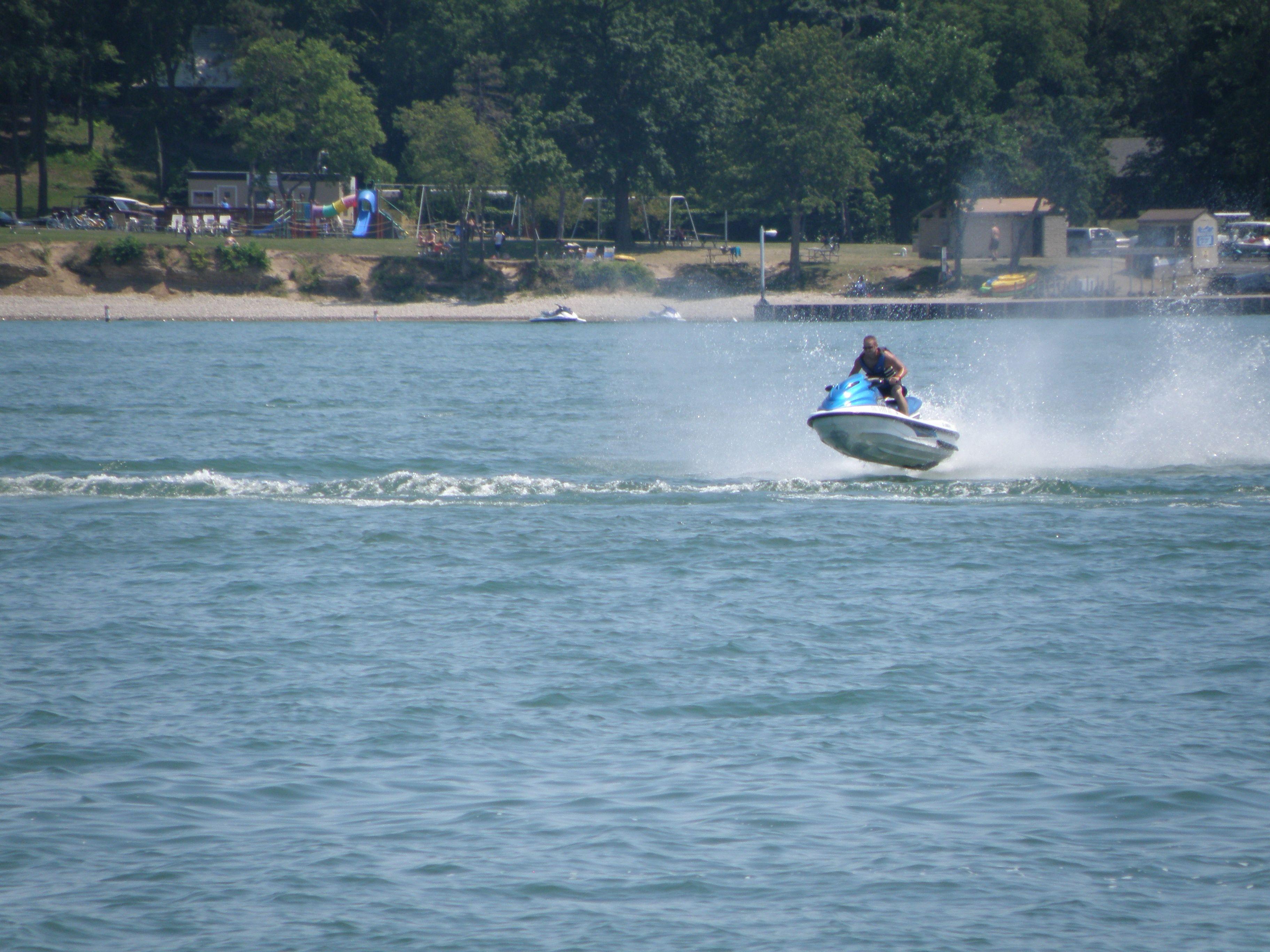 Jet Skiing On Lake Erie Lake Erie Lake Jet Ski Rentals