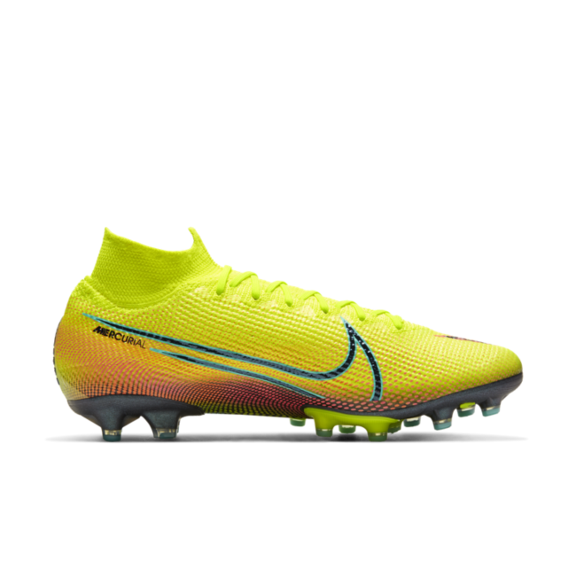 chaussure football synthetique nike
