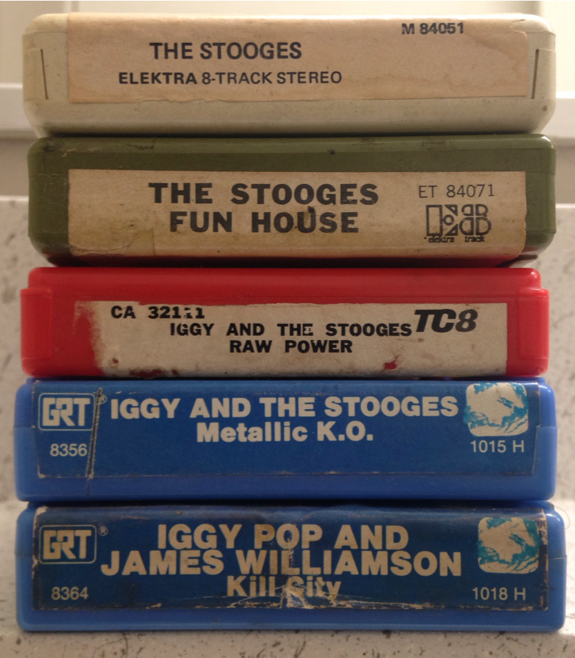 Well-Educated Vintage 24 Slot 8 Track Vinyl Case With Lock With 10 Various 8 Track Tapes Music