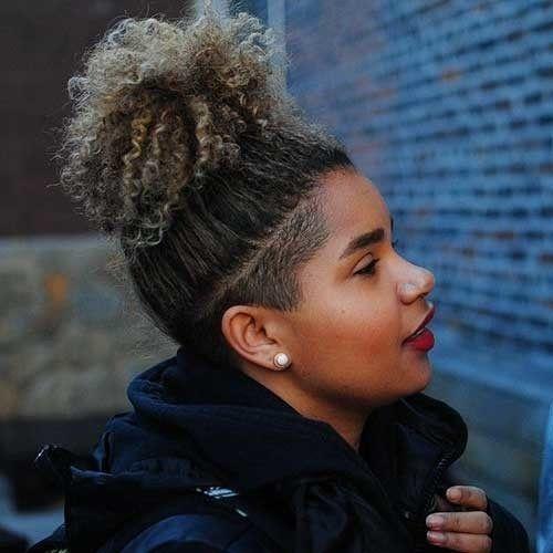 Nacken-Hinterschnitt-Kurzhaarfrisuren für schwarze Frauen – #Schwarz #Lockige #Frisuren …