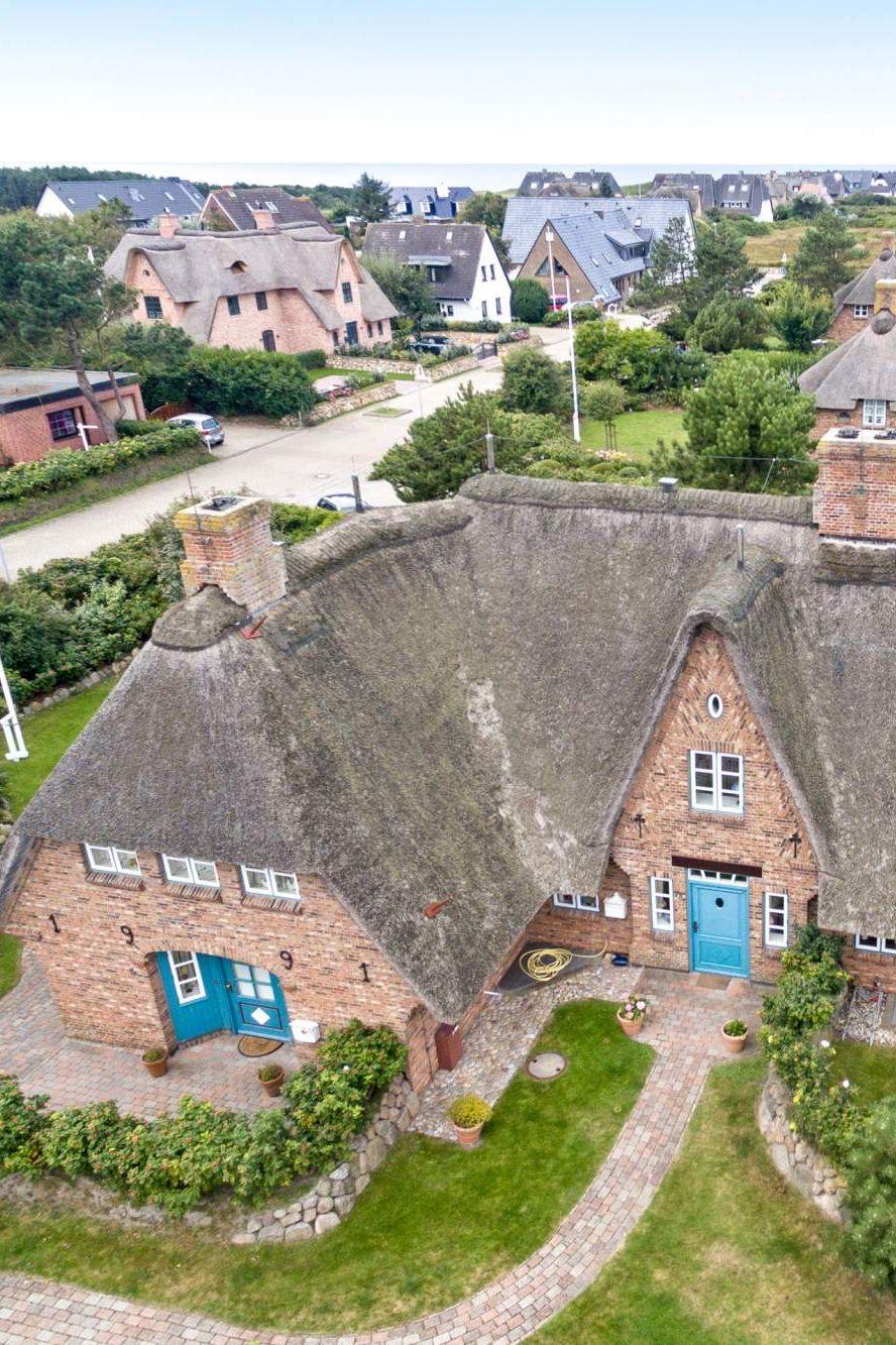 Sylt Reetdachhaus ferienhaus heide huus in wenningstedt sylt reetdachhaus