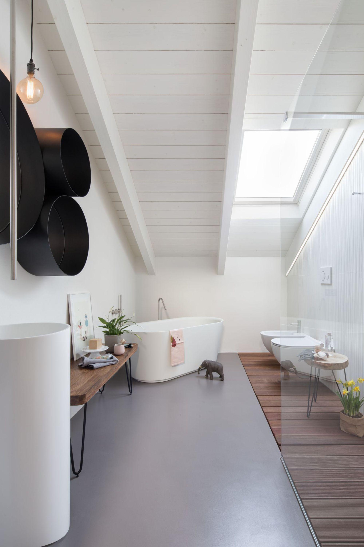 Salle De Bain Blanche ~ grande salle de bains blanche baignoire centrale salle de bain