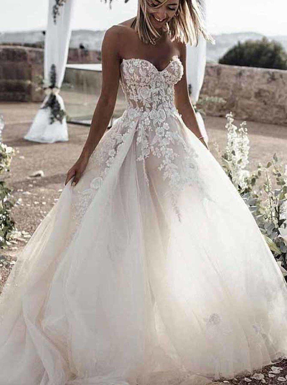 A Line Sweetheart Neck Wedding Dress Stunning Bridal Dress For Wedding Photo Shoot 12142 Wedding Dress Guide Sweetheart Wedding Dress Applique Wedding Dress [ 1280 x 953 Pixel ]