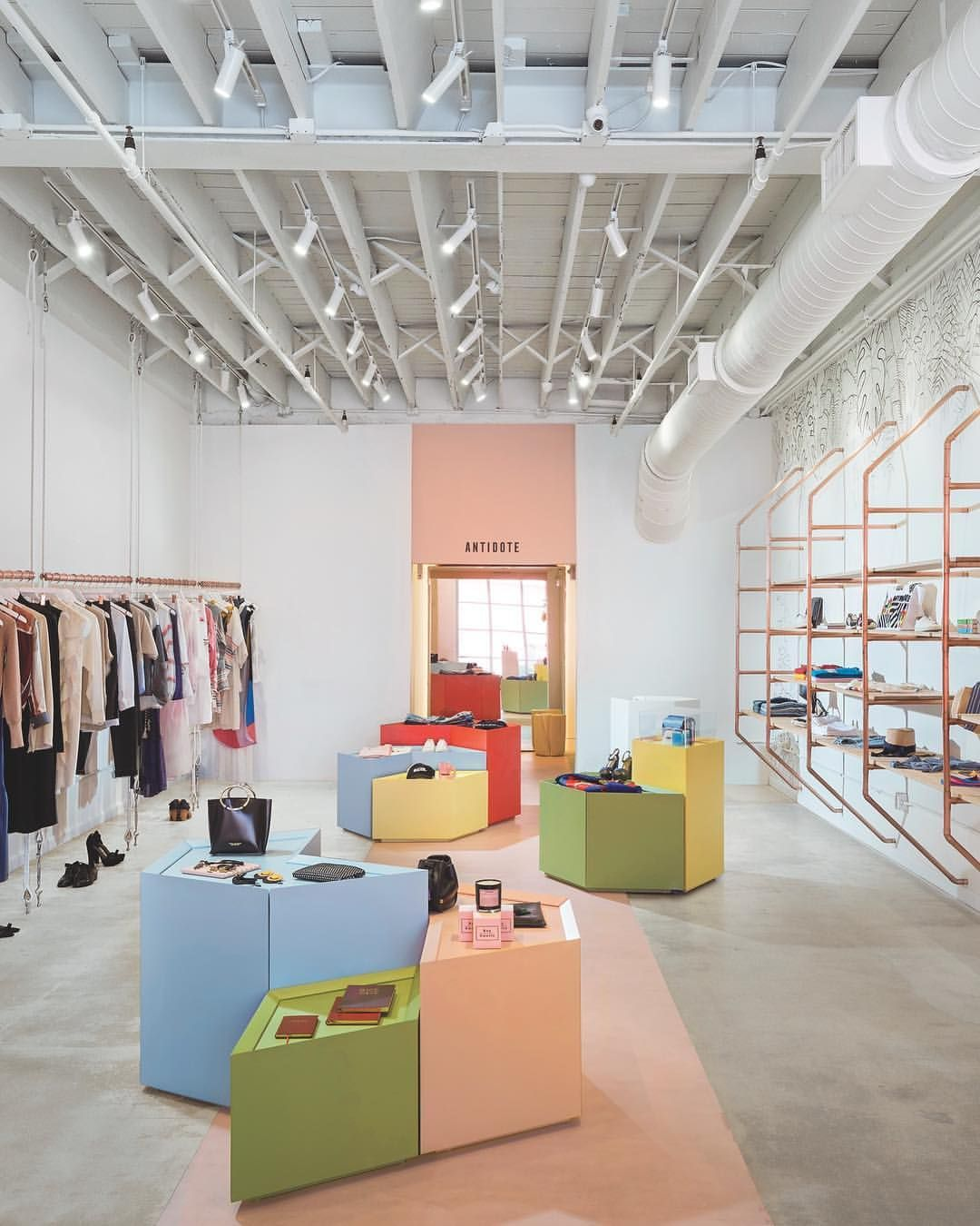 Atelierdeyavorsky Has Recently Completed Antidotesworld A Womenswear Boutique In Miami S Wyn Retail Interior Design Retail Interior Boutique Interior Design