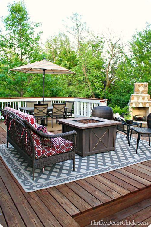 Outdoor furniture arrangement ideas @ThriftyDecorChick!  Deck