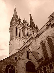 Margaret Of Anjou S Remains Were Buried At Angers Cathedral During The French Revolution They Were Reportedly Cathedral Houses Of The Holy Medieval History