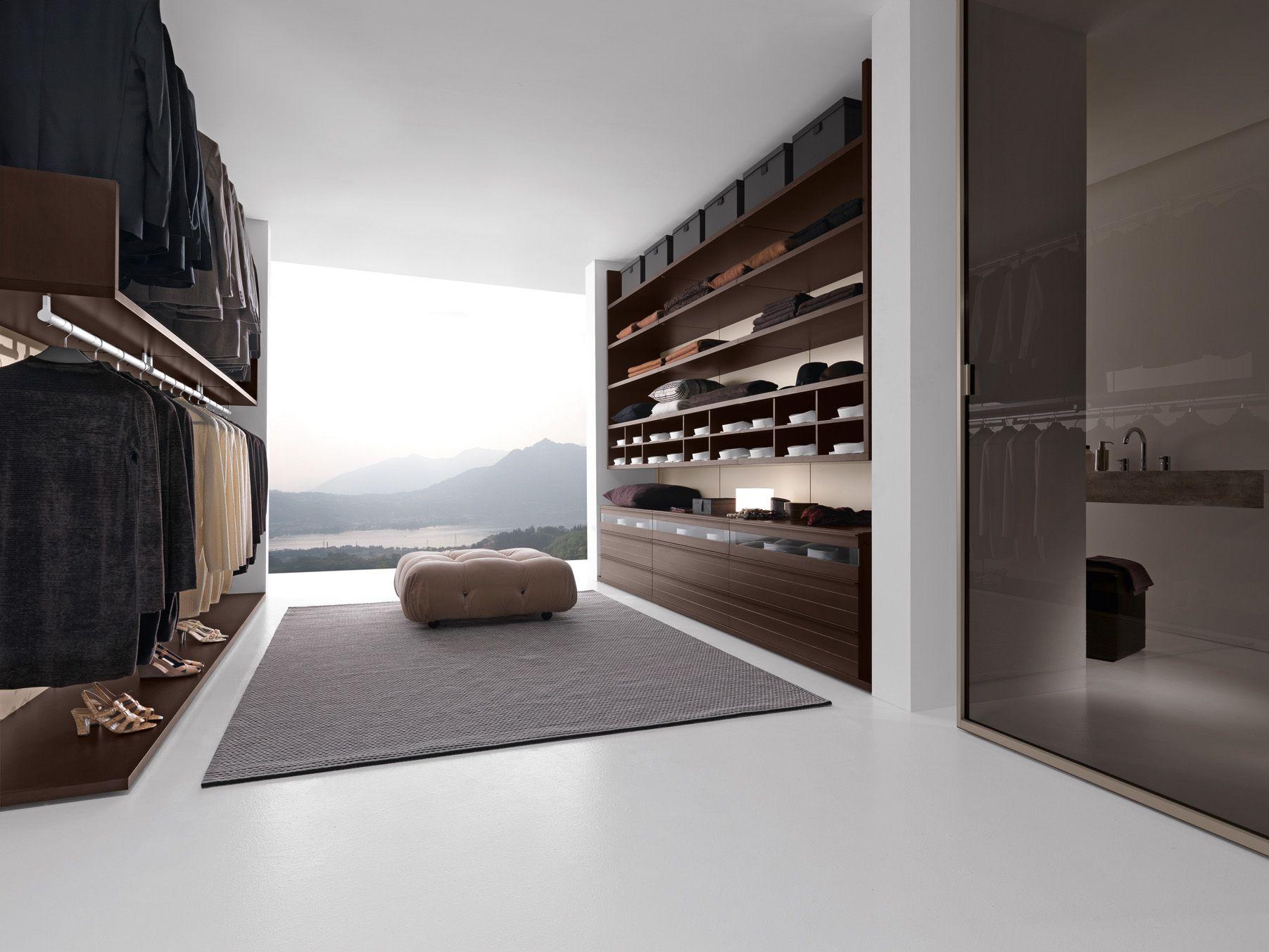Presotto varius walk in closet with back panels in matt for Doors for walk in closet