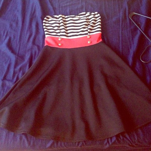 Cute military theme summer dress This dress is awesome! Worn 3 times. Looks expensive. I have too many like this one so selling it for cheap Dresses