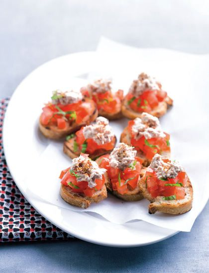 Bruschetta aux tomates et rillettes de thon : la recette facile