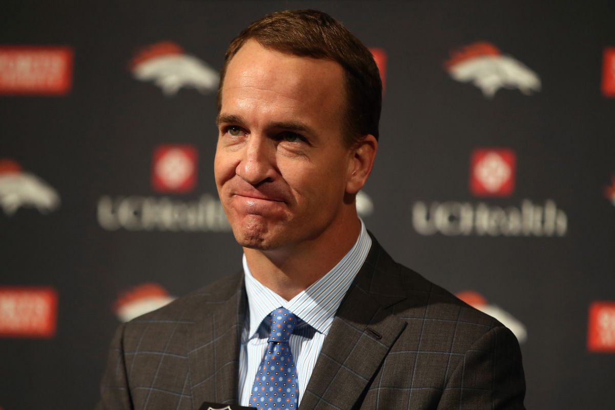 Media laughs as Peyton uses 'FORREST GUMP' joke to answer sex assault question...