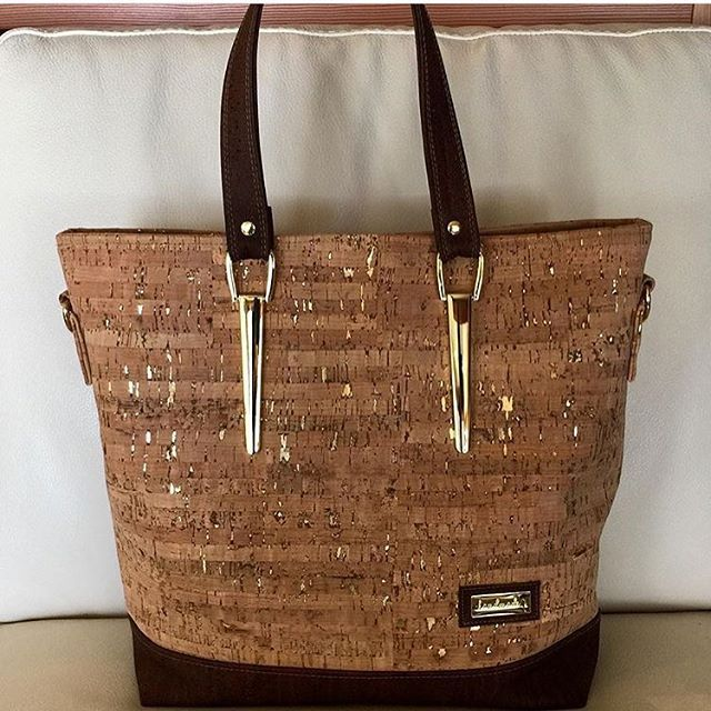 bcebdfe9c4cf PDF - Miss Maggie s Handbag - A Free Pattern