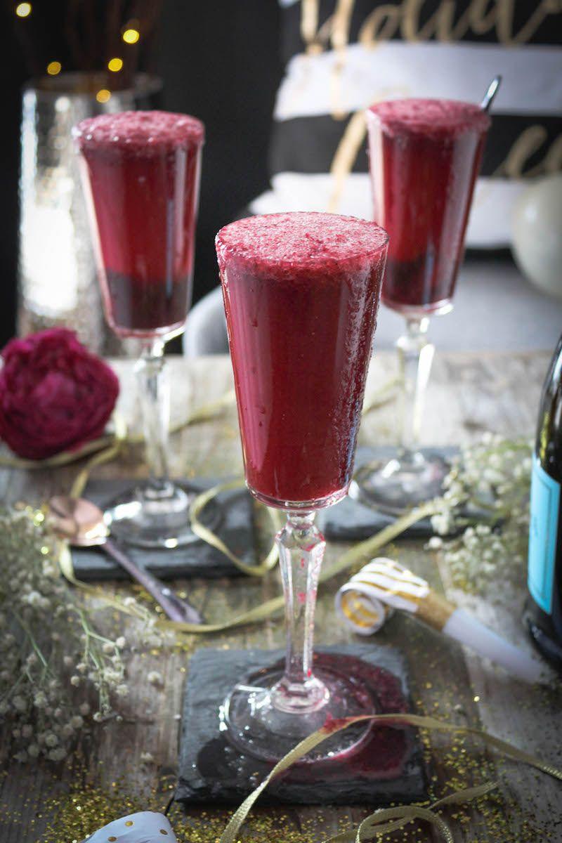 Paleomg Blackberry Bellini Paleo Drinks Mixed Drinks Alcohol Fun Drinks