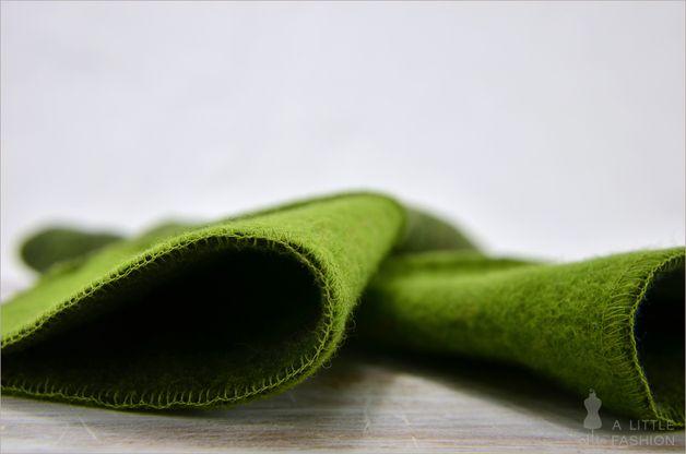 trendige Arm-Stulpen aus grünem Walk - ein Designerstück von A-Little-Fashion #fashion #inspiration #trend #fall #winter #summer #spring #pantone #frühjahr #sommer #herbst #style #outfit #ootd #filizity