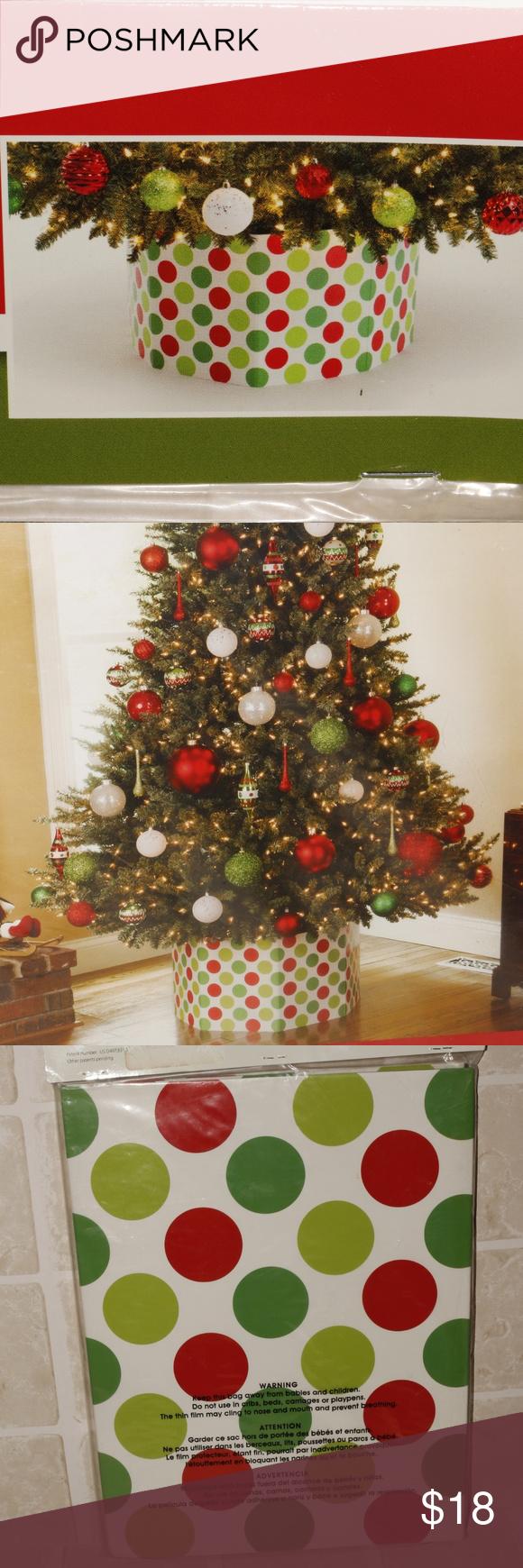 StandUP Christmas Tree Skirt Polka Dot StandUP Tree skirt Red & green polka dot on a white base ...