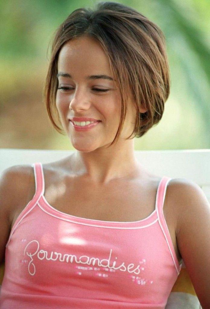 Short Haircut For Thick Hair Teen Girls Google Search Brianna