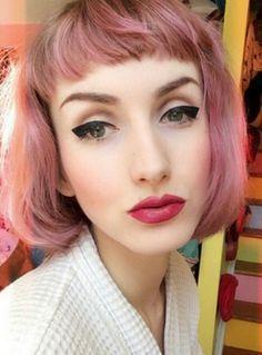 28 Grunde Warum Frauen Ihre Haare Auf Keinen Fall Farben Sollten Haarfarben Fliederfarbene Haare Haarschonheit