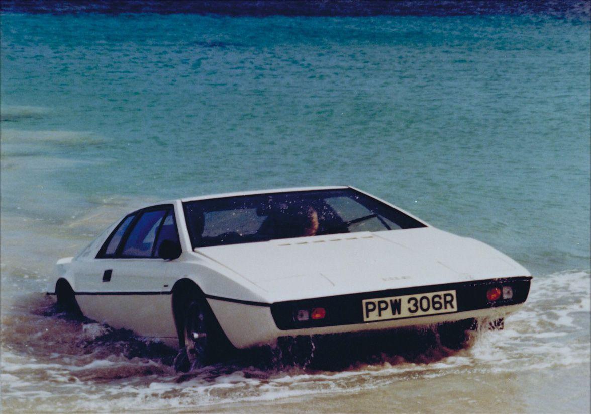 James Bond Lotus Esprit Submarine Car Headed For Rm Auctions James Bond Cars Bond Cars Cars Movie