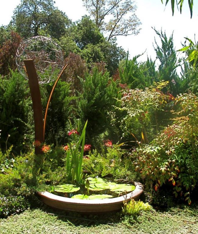 Gartendeko Metall gartendeko metall skulpturen abstraktes kunstwerk teich wasserlilie