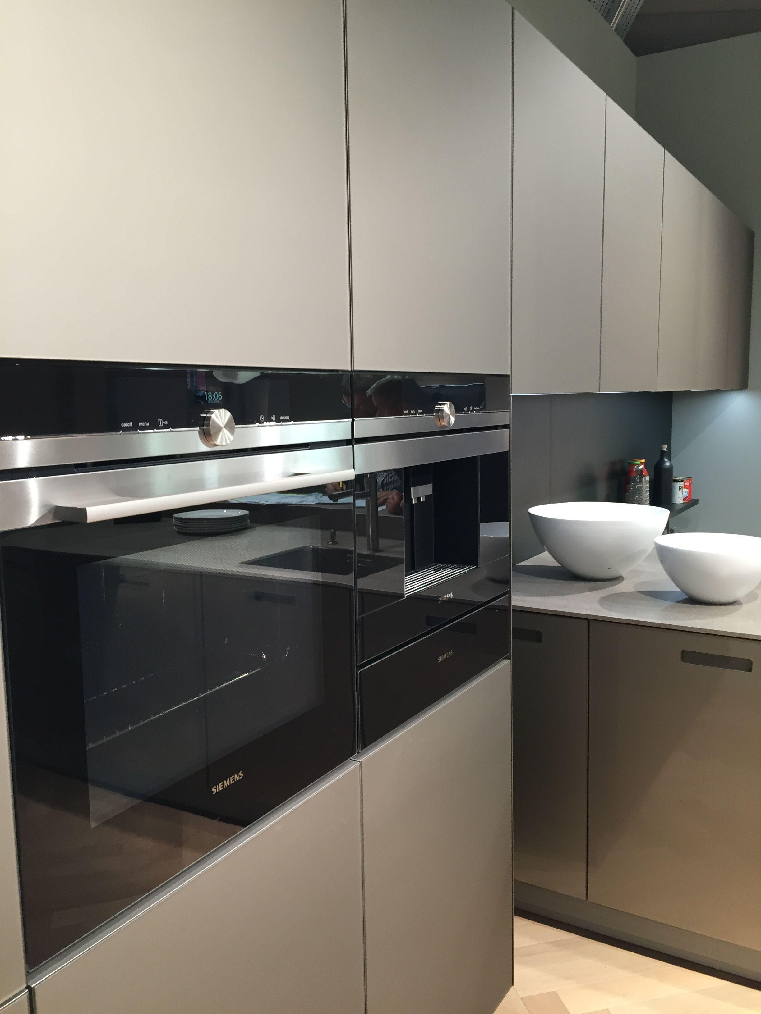 die besten 25 siemens oven ideen auf pinterest moderne k chen herde k chenausstellungsraum. Black Bedroom Furniture Sets. Home Design Ideas